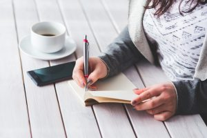 woman_writing_notebook